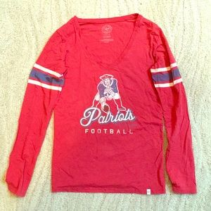 Long sleeve v-neck Throwback Patriots T-shirt